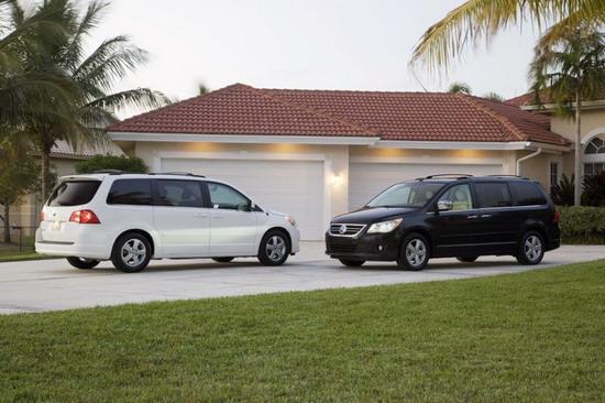 大众   汽车   美国公司负责营销的副   总裁   tim ellis表高清图片