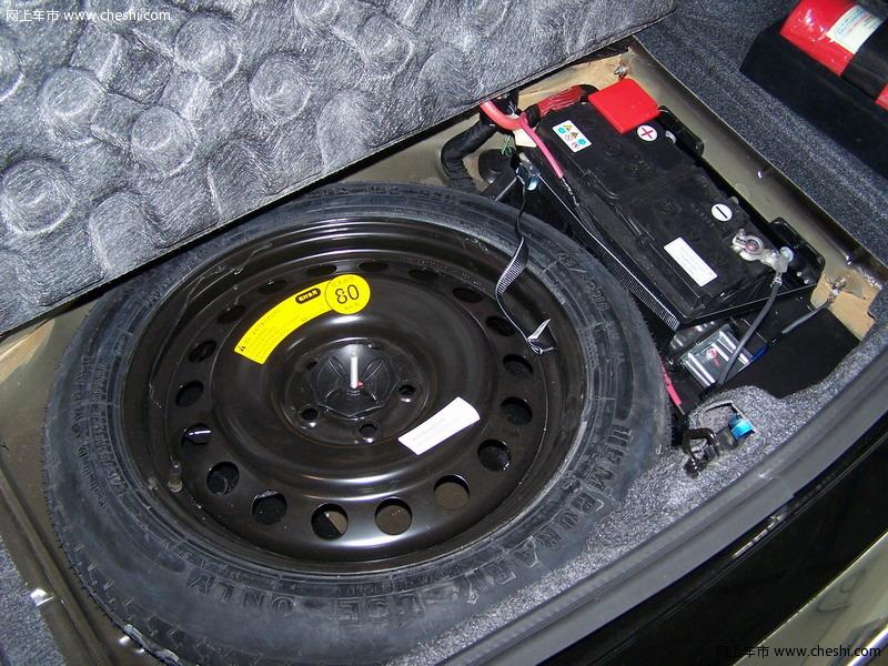 克莱斯勒 300c 2007款 后备胎 内饰图片 19937高清图片
