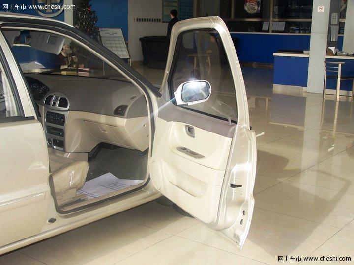 天津一汽夏利 夏利N3+ 三厢 汽车图片壁纸-天津一汽 夏利N3 内饰图片 高清图片