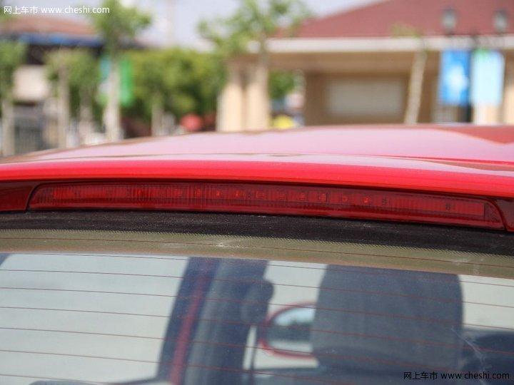 奇瑞 风云2 两厢 汽车图片壁纸高清图片