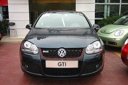 被发烧级车迷热衷的高性能轿跑车大众GTI简装版已来到深圳并正式上