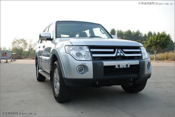 日前,三菱汽车销售(中国)有限公司对外宣布:全新第四代帕杰罗高清图片